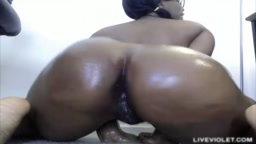 Irresistible bubble butt ebony Kenya hot twerking show