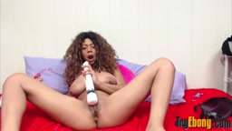 Squirting natural babe Annabelle with chocolate areolas